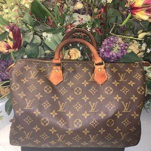 Auth🌺 Louis Vuitton Speedy 35